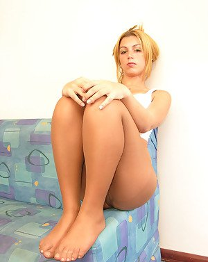 Free shemale in pantyhose pictures